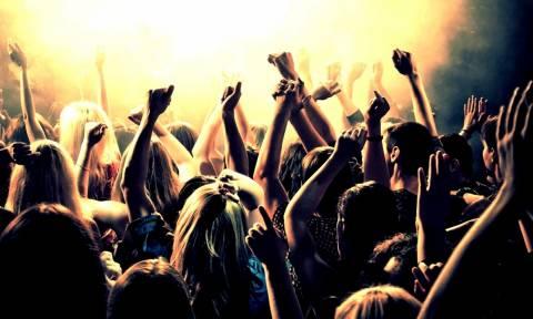 Μαθητές σε κωματώδη κατάσταση από το πολύ αλκοόλ εντοπίστηκαν σε γνωστό κλαμπ στο Μαρούσι