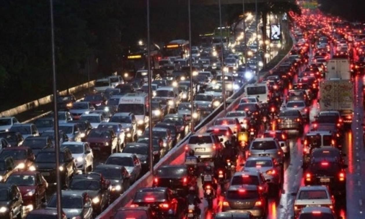 ΤΩΡΑ: Καραμπόλα στον Κηφισό – Κυκλοφοριακό χάος!