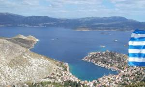 Με υποβρύχιο και πυραυλάκατο στο Καστελόριζο το ΠΝ στέλνει μήνυμα στην Τουρκία (photos)