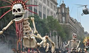 Το Μεξικό γιορτάζει το δικό του Halloween με τη «Μέρα των Νεκρών» (pics+video)