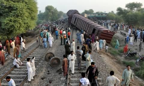 Τραγωδία στο Πακιστάν: 21 νεκροί και δεκάδες τραυματίες από σύγκρουση τρένων