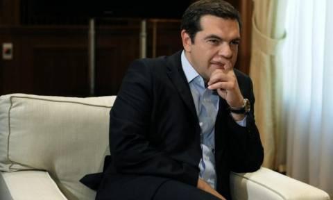 Ευρω-Αραβική Διάσκεψη: Συνάντηση Τσίπρα με τον αναπλ. πρωθυπουργό της Ιορδανίας