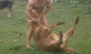 Έλληνας πρωταθλητής της ελληνορωμαϊκής κακοποιεί μοσχαράκια για να δείξει πόσο δυνατός είναι! (vid)