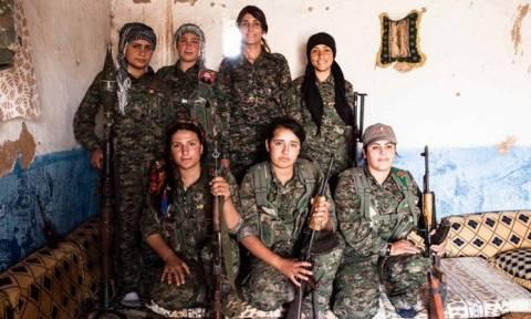 Αυτές είναι οι γυναίκες που τρέμουν οι Τζιχαντιστές - Τις σημαδεύουν με όπλα και αυτές τραγουδούν