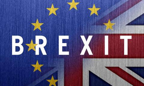 Βουλευτής των Συντηρητικών παραιτήθηκε λόγω «ασυμφιλίωτων διαφορών» με την Μέι για το Brexit