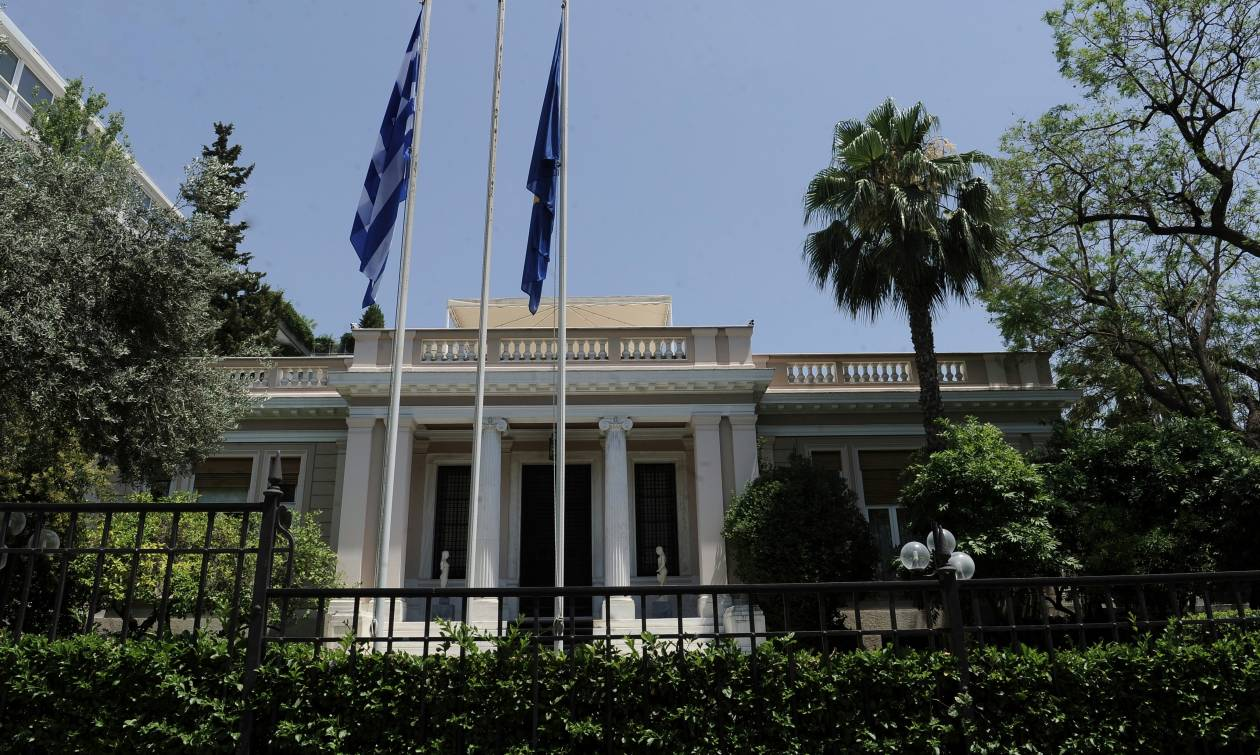 Ανασχηματισμός: Στις 13.00 ορκίζεται η νέα κυβέρνηση
