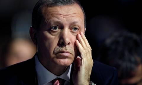 «Χαστούκι» στον Ερντογάν: Η Τουρκία αποκλείστηκε από τις δυνάμεις που θα εισβάλλουν στη Ράκα