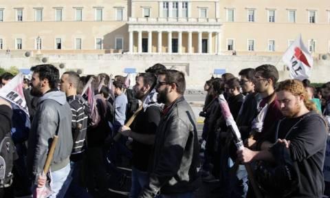 Στους δρόμους μαθητές και καθηγητές - Μαθητικό συλλαλητήριο στα Προπύλαια