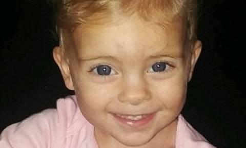 Αγγελούδι δύο ετών πνίγηκε στην μπανιέρα καθώς η μητέρα του έκανε σεξ στο διπλανό δωμάτιο (Pics+Vid)