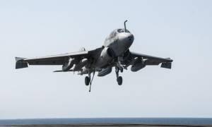 Οι ΗΠΑ είναι έτοιμες να συνδράμουν με αεροπορικές επιθέσεις στη Λιβύη