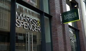 Η Marks & Spencer συρρικνώνεται: Αποχωρεί από 10 χώρες