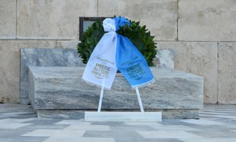Κατάθεση Στεφάνου στο Μνημείο του Άγνωστου Στρατιώτη από τον Αρχηγό ΓΕΑ (pics)