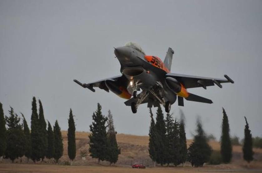 Εντυπωσιακές πτήσεις με Μαχητικά της ΠΑ στην 114ΠΜ (Pics+video)