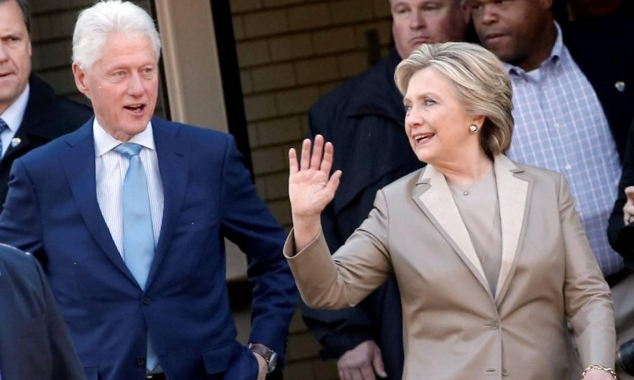 Εκλογές ΗΠΑ 2016: Προβληματισμός για τη φωτογραφία του ζεύγους Κλίντον λίγο μετά την κάλπη