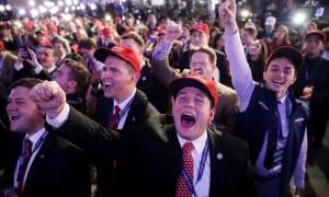 Αποτελέσματα αμερικανικών εκλογών: Πάρτι στο επιτελείο του Τραμπ – «Κλάμα» στης Χίλαρι (pics)