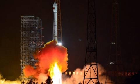 Κίνα: Με επιτυχία η εκτόξευση του δοκιμαστικού δορυφόρου «pulsar»
