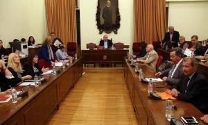 LIVE: ΕΣΡ - Ο Ν. Βούτσης δέχτηκε την πρόταση της ΝΔ - Υποψήφιος πρόεδρος ο Θ. Κουτρουμάνος
