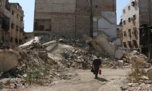 Συρία: Νεκροί άμαχοι και παιδιά από βομβαρδισμούς εναντίον ανταρτών στη Δαμασκό