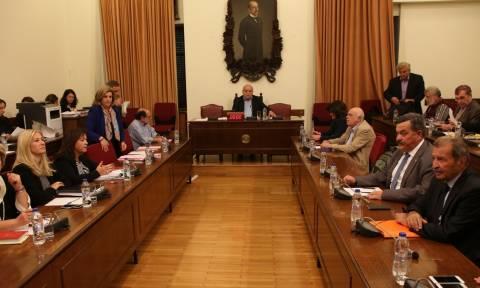 Αυτό είναι το νέο ΕΣΡ: Η κυβέρνηση υποχώρησε, αλλά η συναίνεση άργησε πάρα πολύ