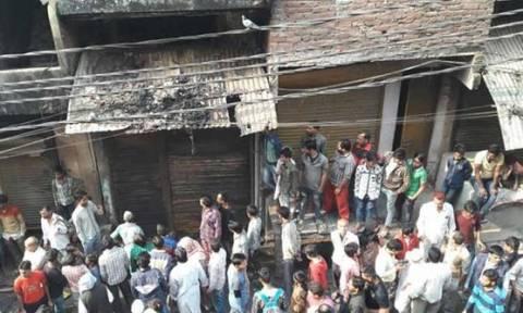 Ινδία: Ασύλληπτη τραγωδία – Τουλάχιστον 15 νεκροί από πυρκαγιά σε εργοστάσιο