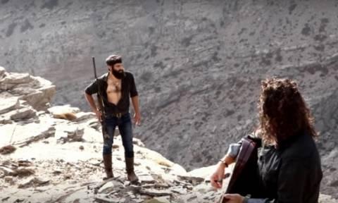 Το βίντεο - κλιπ του sexy Κρητικού αγρότη που έγινε viral (video)