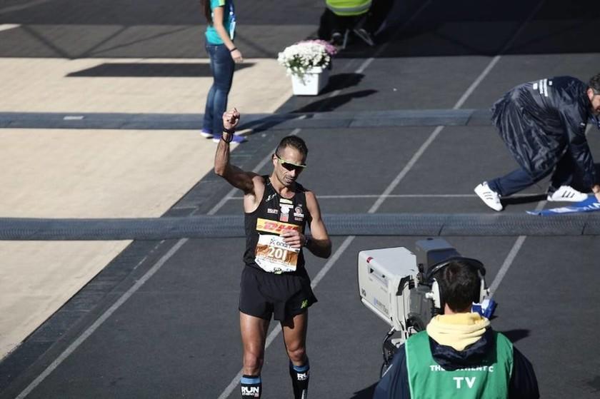 Μαραθώνιος Αθήνας 2016 Live - Τερμάτισε ο πρώτος Έλληνας αθλητής