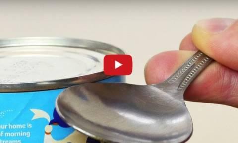 Πώς να ανοίξεις κονσέρβα χωρίς ανοιχτήρι (video)