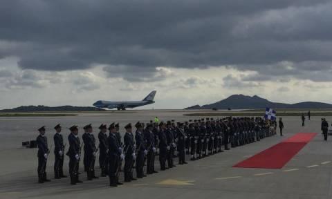 Επίσκεψη Ομπάμα: Έφτασε στην Αθήνα ο Αμερικανός Πρόεδρος