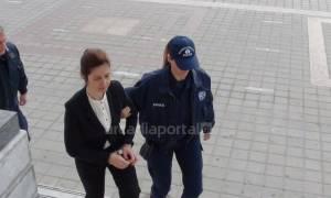 Τρίπολη: Αθώα δηλώνει η 38χρονη «μαύρη χήρα» - Ένταση στη δίκη με τους συγγενείς (vids)