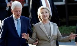 ΗΠΑ: Ο Μπιλ Κλίντον πέταξε το τηλέφωνο σε άγριο καβγά με τη Χίλαρι