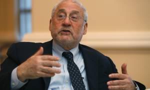 Στίγκλιτς: Η καθυστέρηση της αναδιάρθρωσης του ελληνικού χρέους έχει μεγάλο κόστος