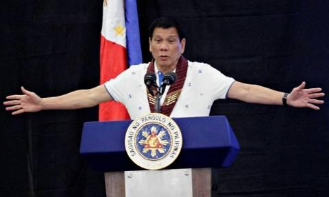 Φιλιππίνες: Χείρα φιλίας Ντουτέρτε προς Τραμπ για επιείκεια προς τους Φιλιππινέζους μετανάστες