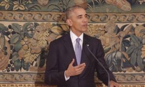 Επίσκεψη Ομπάμα - Απίστευτο: Δείτε τι έκανε μία ηλικιωμένη για να δει από… κοντά τον Ομπάμα (pics)