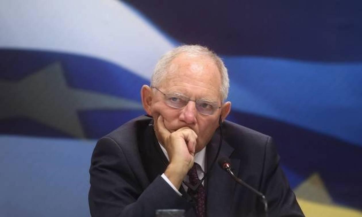 Στάζει φαρμάκι ο Σόιμπλε: Κάνει κακό όποιος μιλάει για ελάφρυνση του ελληνικού χρέους