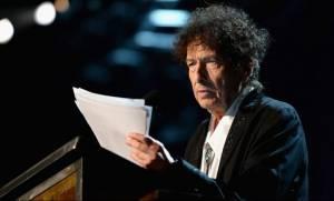 Δεν θα παραλάβει τελικά το Νόμπελ Λογοτεχνίας ο Μπομπ Ντίλαν, έχει «άλλες υποχρεώσεις»