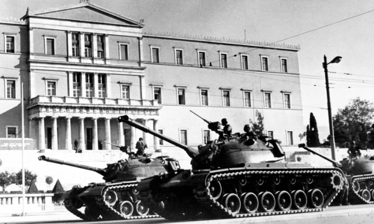 Πολυτεχνείο 1973: Η συγκλονιστική αφήγηση του μοναδικού φωτορεπόρτερ που  κατέγραψε την εξέγερση - Newsbomb - Ειδησεις - News
