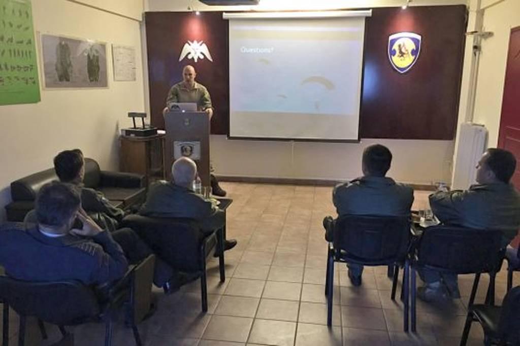 Επίσκεψη Αντιπροσωπείας Αξιωματικών της Βοσνίας – Ερζεγοβίνης στην 112ΠΜ (pics)