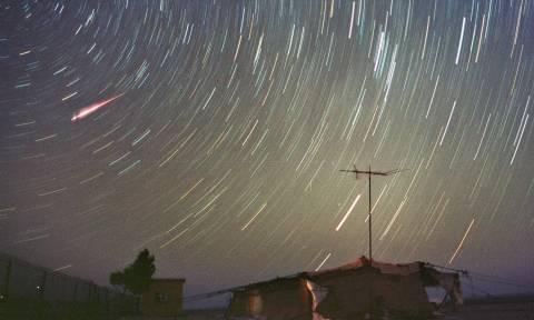 Αυτό είναι το ουράνιο φαινόμενο που θα φωτίσει τον αποψινό ουρανό και θα μαγνητίσει το βλέμμα σας!
