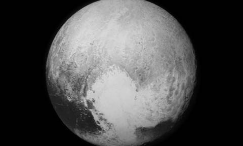 Κάτω από την «καρδιά» του Πλούτωνα κρύβεται ένας… ωκεανός
