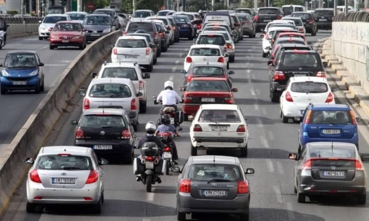 ΤΩΡΑ: Κυκλοφοριακό χάος στην κάθοδο της εθνικής οδού