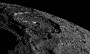 Η μυστηριώδης λάμψη του νάνου πλανήτη Δήμητρα που δημιουργεί ερωτήματα (photo)