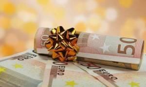 Δώρο Χριστουγέννων 2016: Δες πώς υπολογίζεται και πότε καταβάλλεται