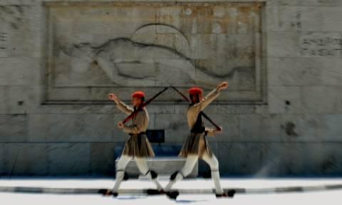 Ο Ομπάμα έφυγε τα προβλήματα για τον ελληνικό λαό έμειναν
