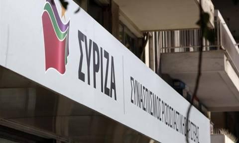 Επίθεση αγνώστων στα γραφεία του ΣΥΡΙΖΑ στον Εύοσμο (pic)