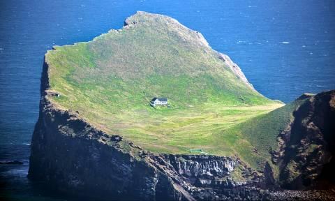 Στην άκρη της γης: 20 ιδανικά σπίτια με θέα που «κόβει» την ανάσα