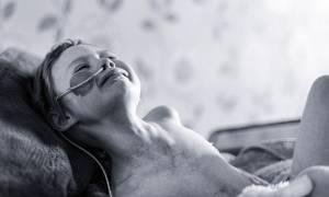 Πέθανε το αγγελούδι που ράγισε την καρδιά του κόσμου δείχνοντας το πρόσωπο του παιδικού καρκίνου