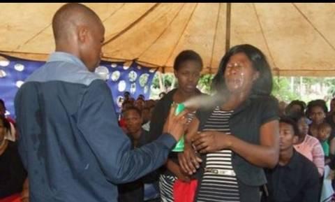 Σάλος: «Προφήτης» ψέκασε πιστούς με εντομοκτόνο για να τους... θεραπεύσει!