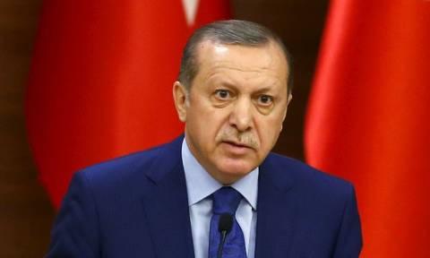 Τουρκία: Στο τέλος δε θα μείνει κανείς – Ο Ερντογάν απέπεμψε άλλους 15 χιλιάδες δημοσίους υπαλλήλους