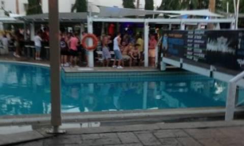 Απίστευτη καταγγελία για όργια σε γνωστό ξενοδοχείο: «Η πισίνα ήταν θολή από το σπέρμα» (photos)