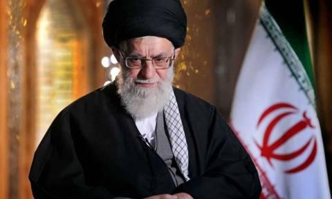 «Κόκκινος» συναγερμός: Το Ιράν απειλεί τις ΗΠΑ με «πυρηνικά» αντίποινα